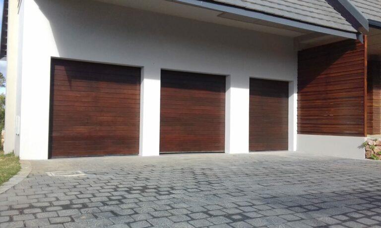 Meranti-horizontal-slatted-003