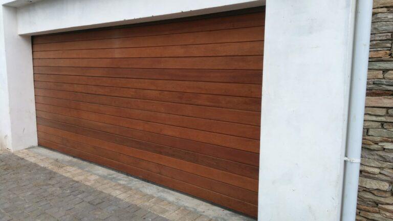 Meranti-horizontal-slatted-004